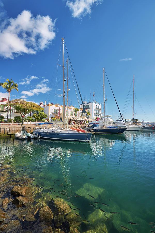 Puerto de Mogan by Marc Huebner