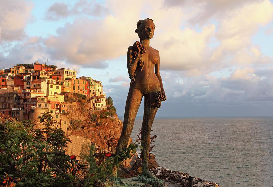 Punta Bonifiglio Grape Goddess 2 by Susan Rovira
