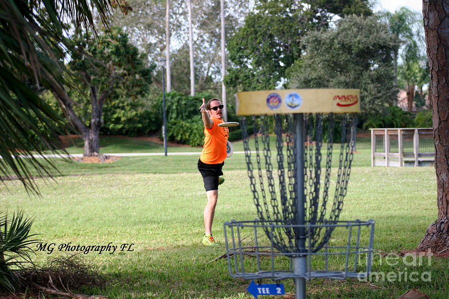 Disc Golf Photograph - Putting  by Marty Gayler