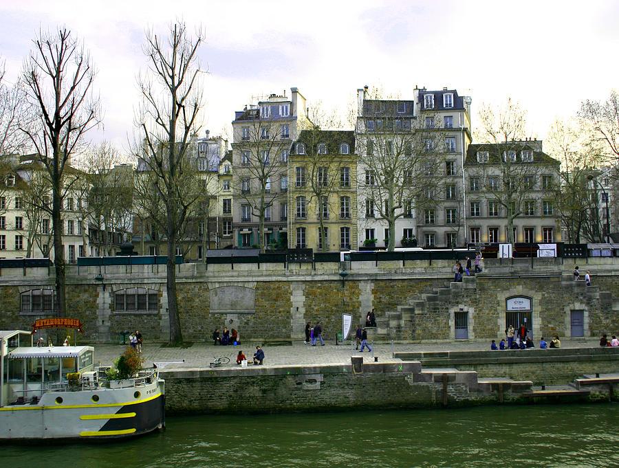 Paris Photograph - Quai De Seine by Hans Jankowski