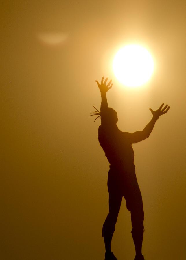 Indian Sculpture Photograph - Raising The Sun by David Yocum