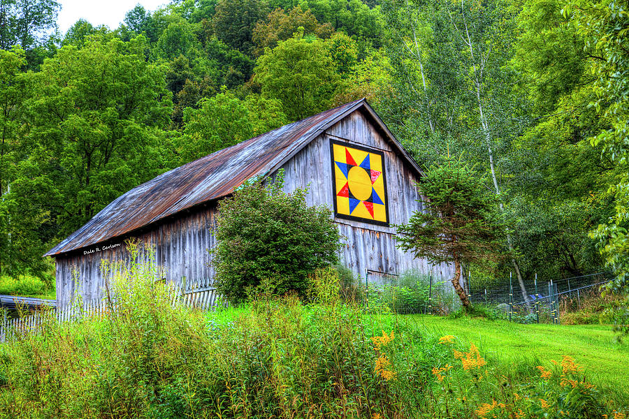 Barn Quilts Photograph - Rays Star by Bluemoonistic Images