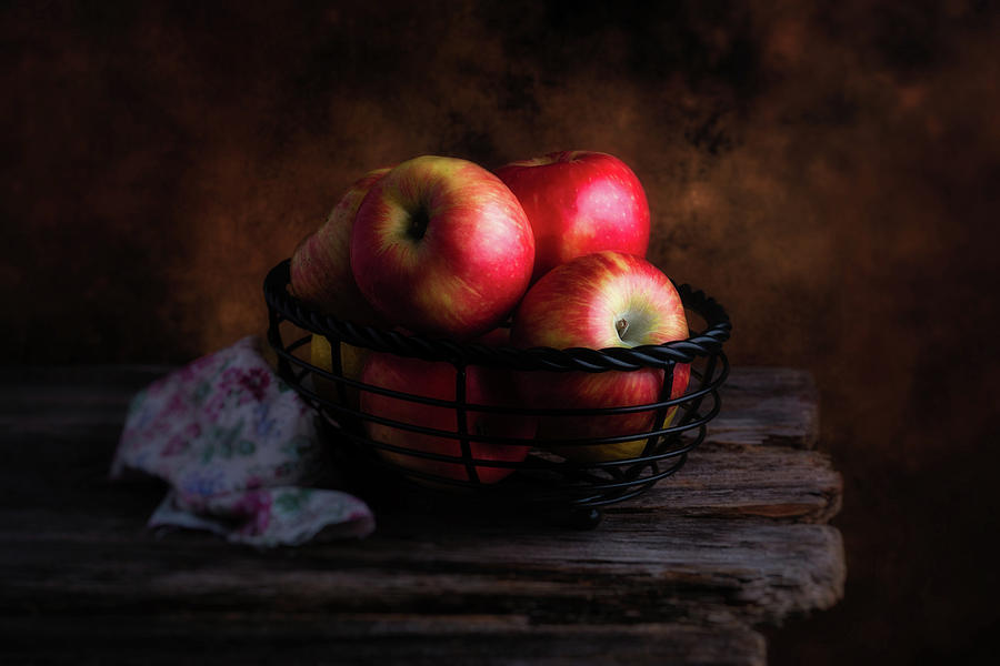 Apple Photograph - Red Apples by Tom Mc Nemar
