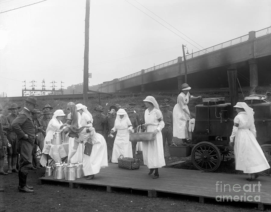 1918 Photograph - Red Cross: Canteen, C1918 by Granger