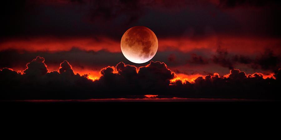 Red Moon Rising by Dianna Lynn Walker