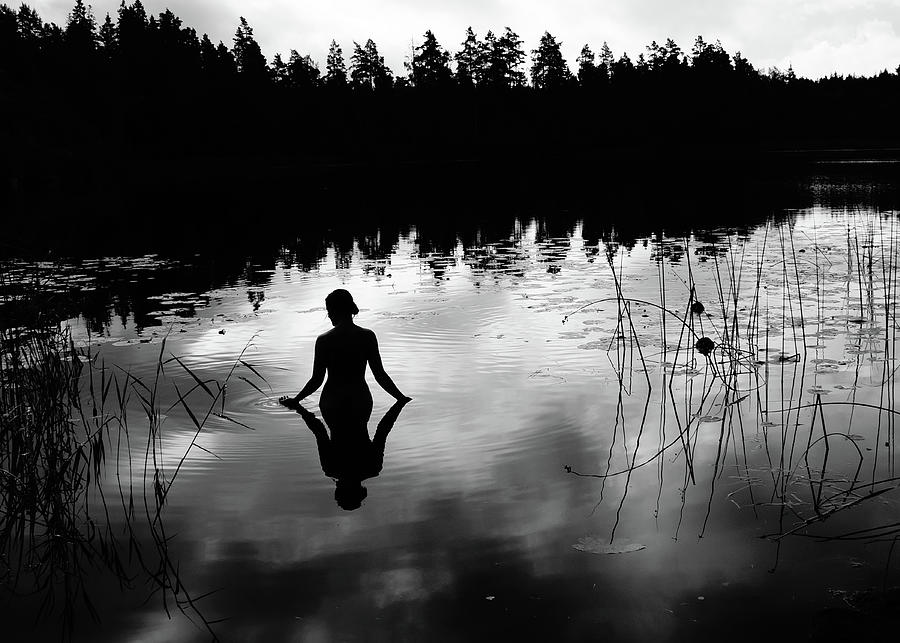 Silhouette Photograph - Reflecting Beauty BoW by Nicklas Gustafsson