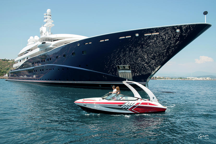 Regal Boat 2000 And Yacht by Stephane GAMELIN