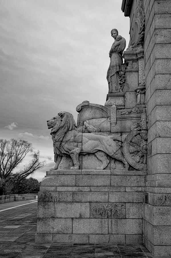 Shrine Photograph - Remembrance Lions by Ross Henton