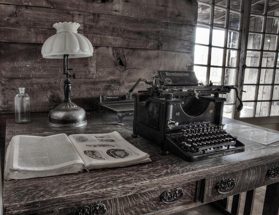 Old Typewriter Photograph - Remington Standard  by David Wagner