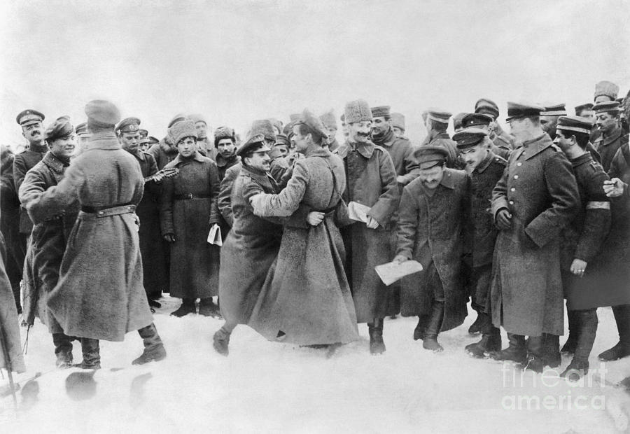 1917 Photograph - Revolution Of 1917 by Granger