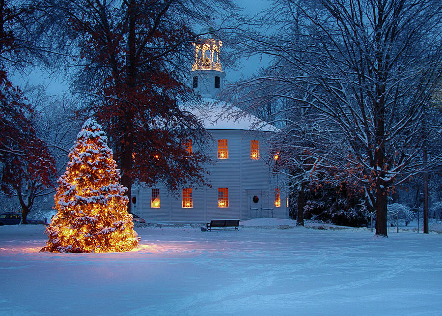 Christmas In Vermont.Richmond Vermont Round Church At Christmas