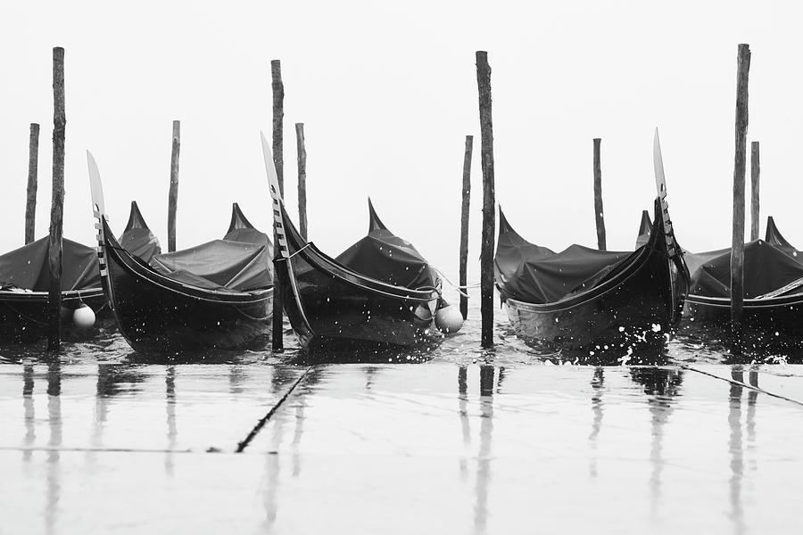 Riflessi di gondole 03776 by Marco Missiaja