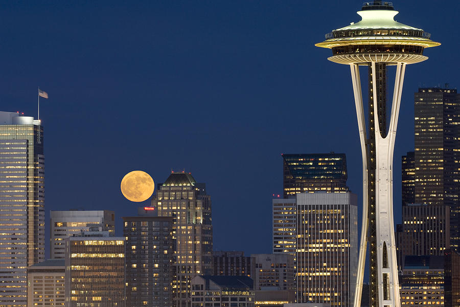 Seattle Photograph - Rising From Buildings A142 by Yoshiki Nakamura