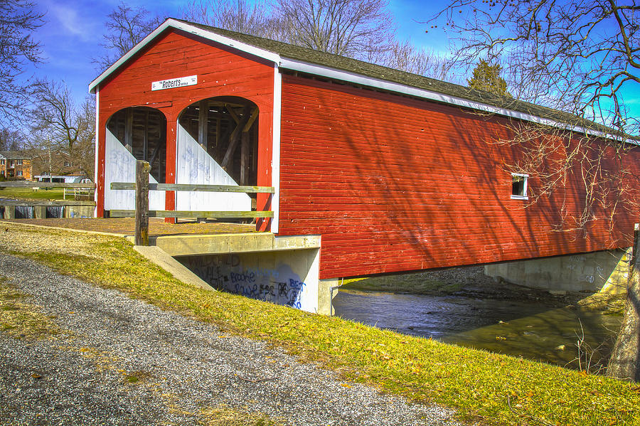 Ohio Photograph - Roberts Covered Bridge by Jack R Perry