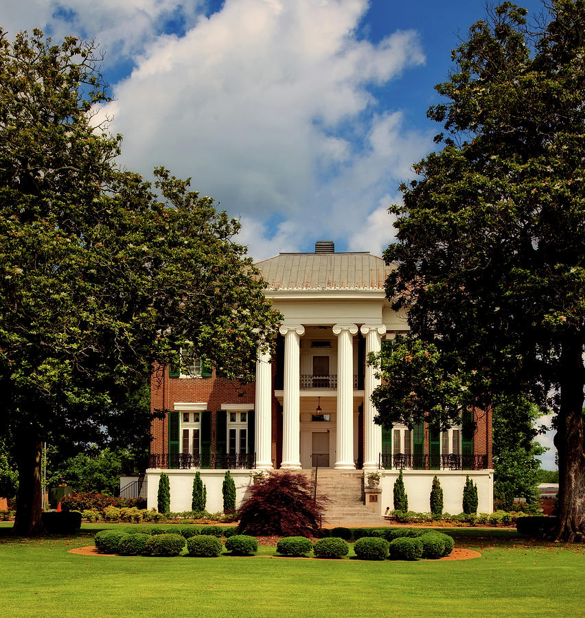 University Of North Alabama Photograph - Rogers Hall - University Of North Alabama by Mountain Dreams