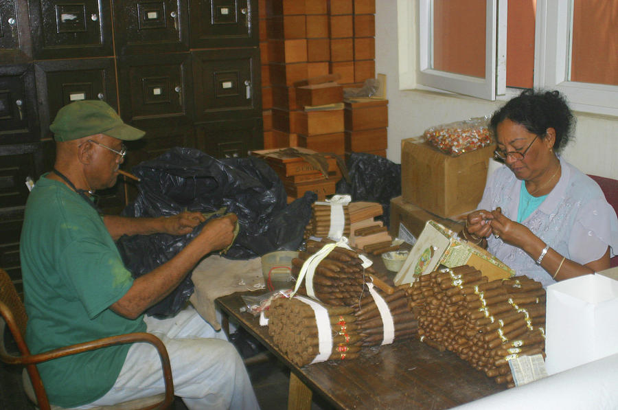 Rolling Cigars In Nassau Photograph