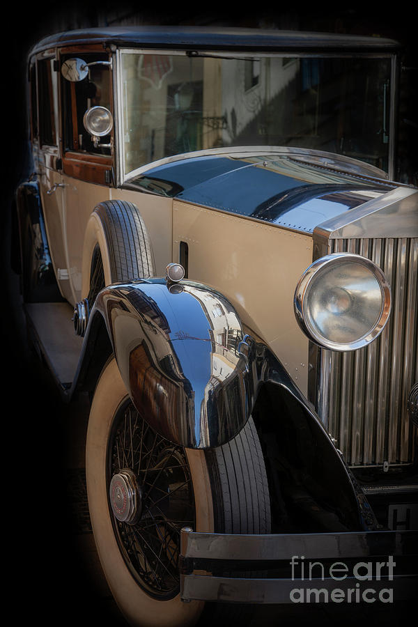 Rolls-Royce Close-up by Heiko Koehrer-Wagner