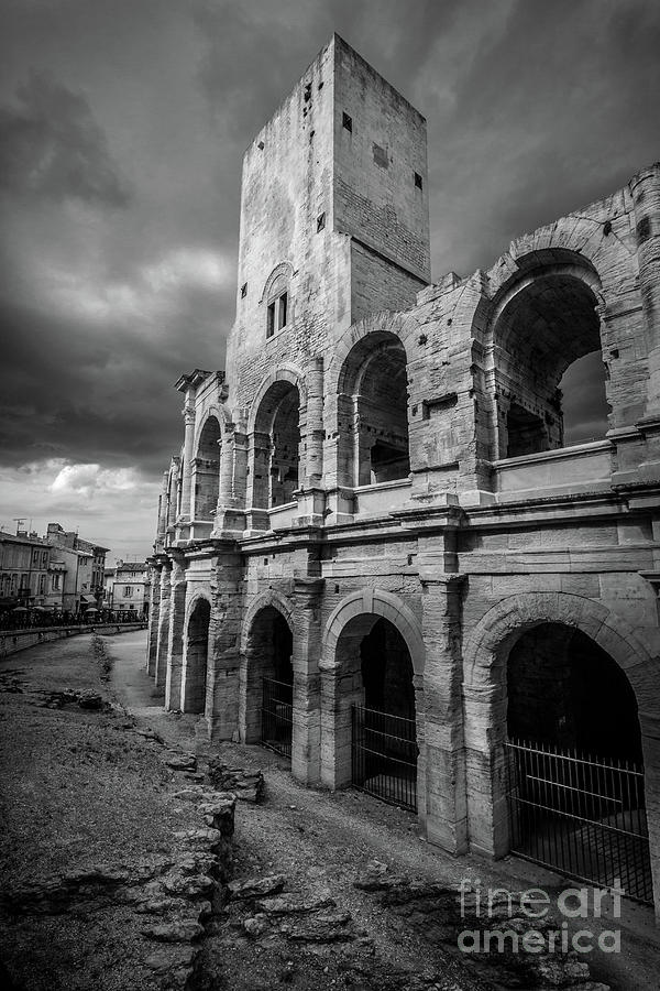 roman colosseum in arles france blk wht photograph by liesl walsh. Black Bedroom Furniture Sets. Home Design Ideas