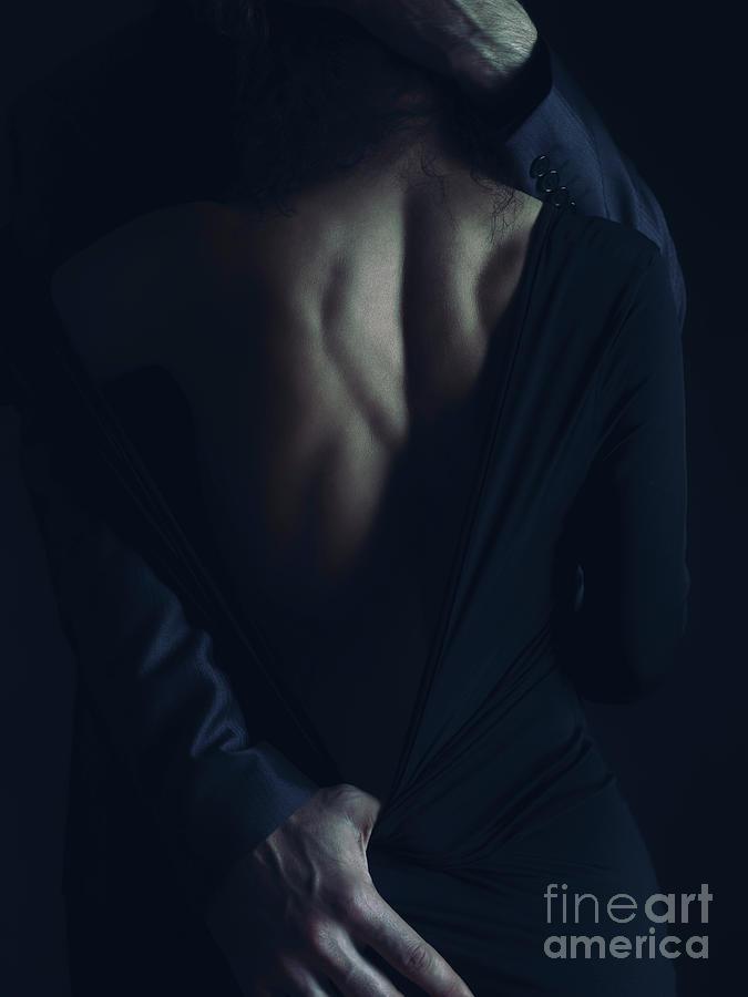 Ljubav i romantika u slici  - Page 2 Romantic-sensual-portrait-of-couple-embracing-in-dim-night-light-awen-fine-art-prints