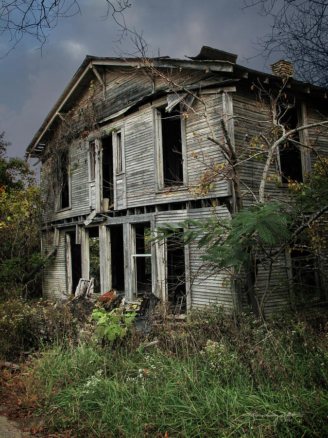 Abandoned Building Photograph - Rooms To Let by Karen Casey-Smith