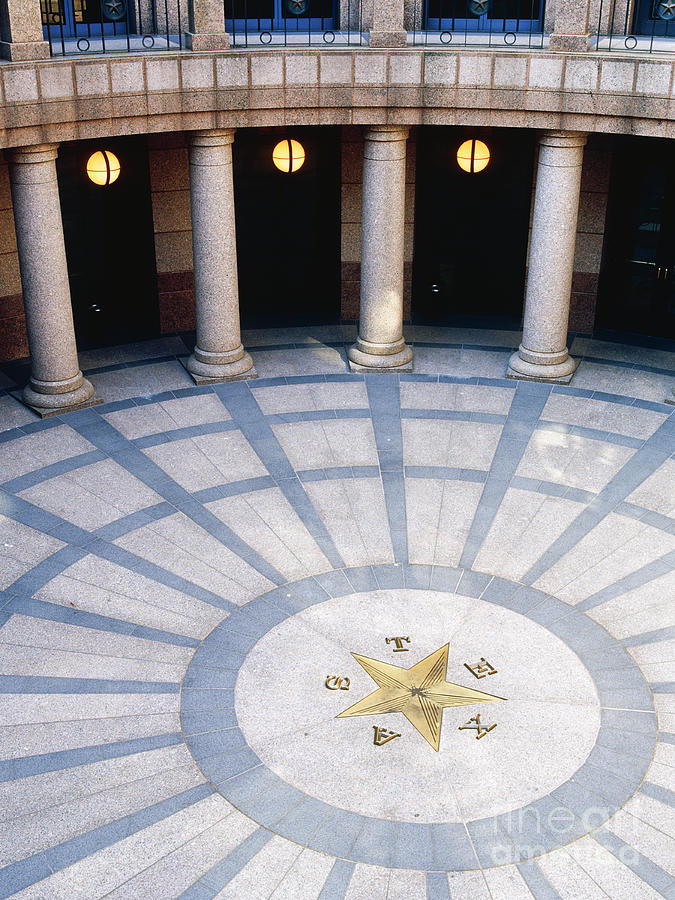 Architectural Detail Photograph - Rotunda In Texas State Capitol by Jeremy Woodhouse