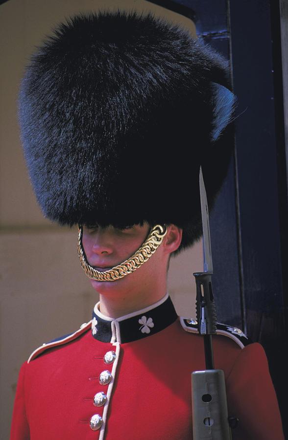 royal guard at buckingham palace photograph by carl purcell