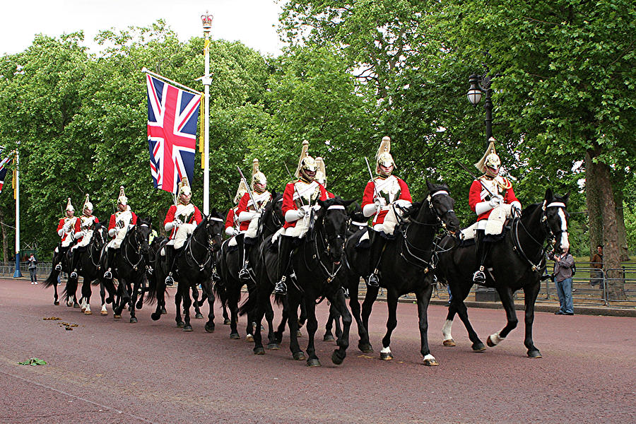 Admiralty Arch Photograph - Royal Household Cavalry by Fran West