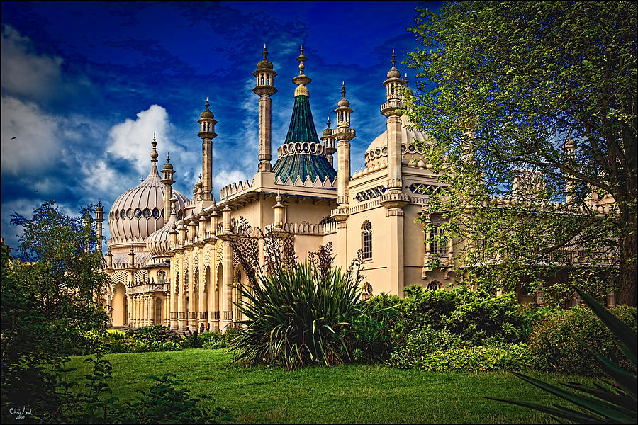 Royal Pavilion Garden Photograph By Chris Lord