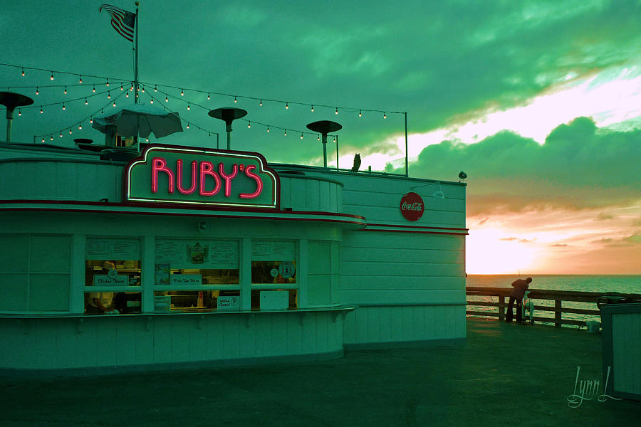 Pier Photograph - Rubys On Newport Pier by S Lynn Lehman