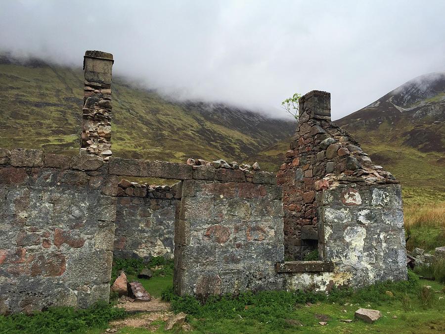 Ruin Photograph - Ruin in Scotland by Matthias Hauser