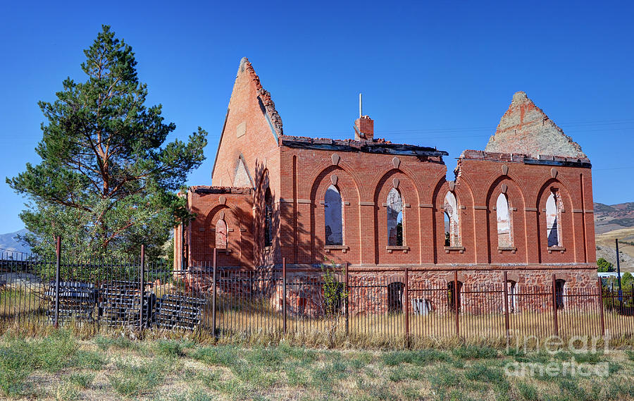 Ruined Church In Rural Utah Photograph By Gary Whitton