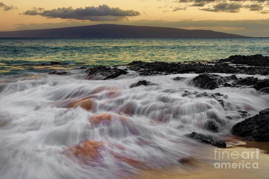Running Photograph - Running Wave At Keawakapu Beach by Eddie Yerkish
