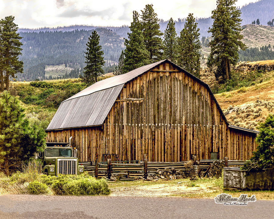 Rural Oregon Barn by William Havle