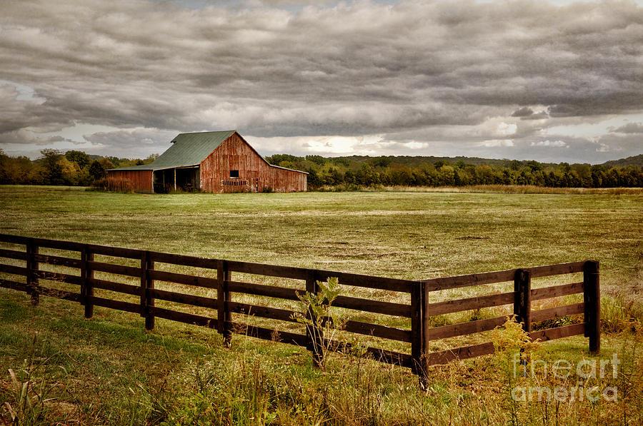 Red Barn Photograph - Rural Tennessee Red Barn by Cheryl Davis