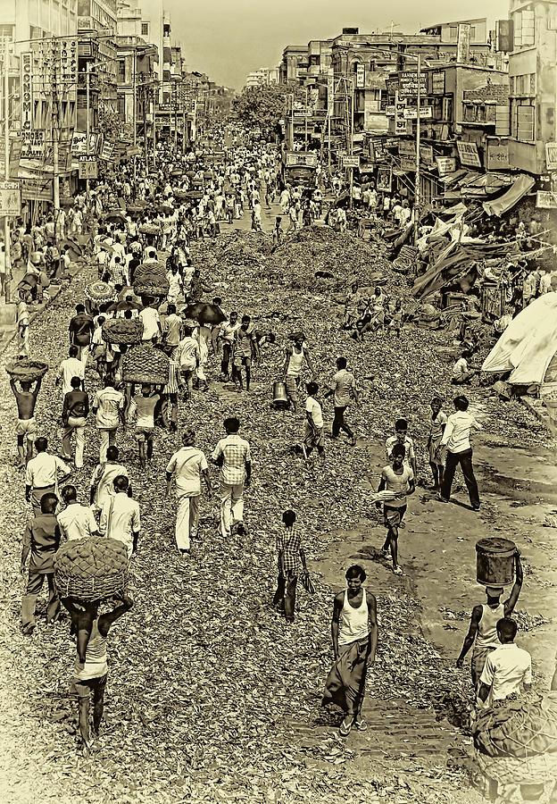 Calcutta Photograph - Rush Hour - Antique Sepia by Steve Harrington