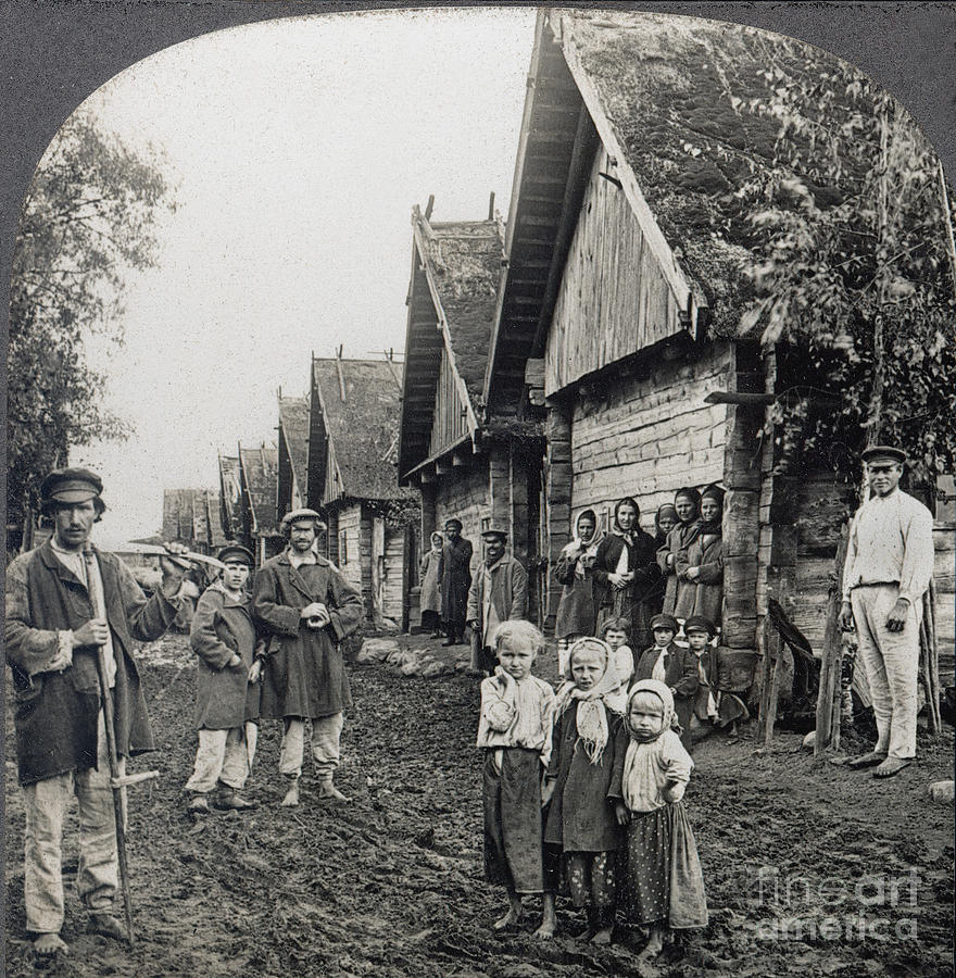 1900 Photograph - Russia: Peasants by Granger