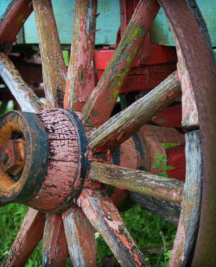 Wagon Wheel Photograph - Rustic Spoke by Robert Smith