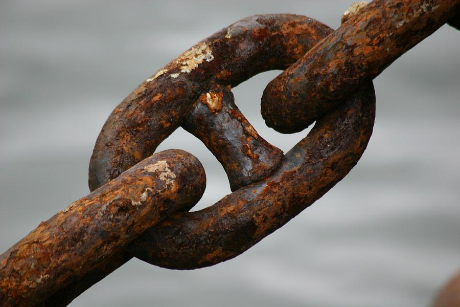 Chain Photograph - Rusty Chain by Hans Jankowski