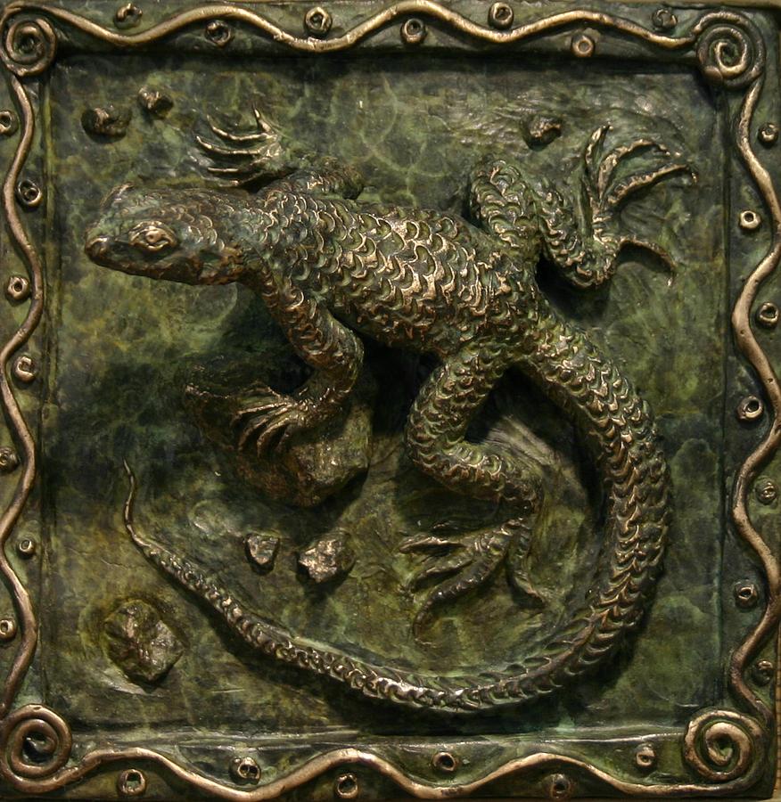Miniature Sculpture - Sagebrush Lizard by Dawn Senior-Trask