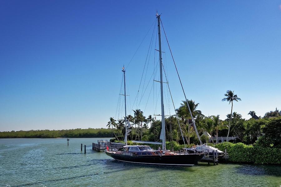 Sailboat at Royal Harbor by Lars Lentz