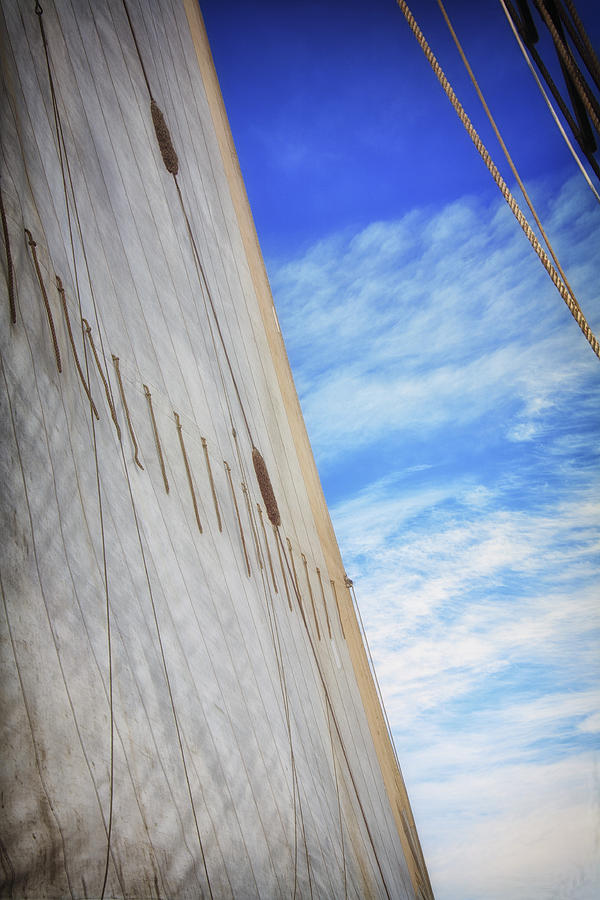 Abstract Photograph - Sailing by Ronn Orenstein