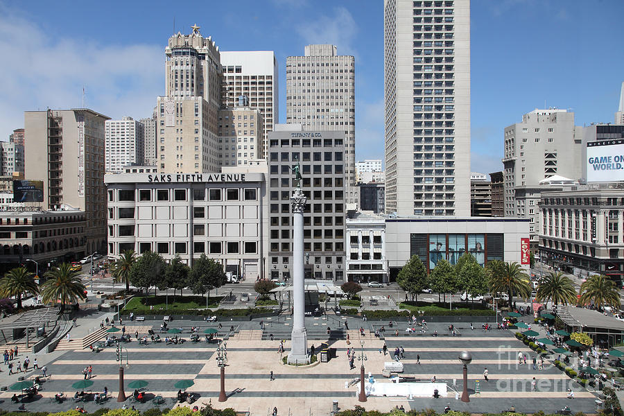 Wingsdomain Photograph - San Francisco . Union Square . 5d17938 by Wingsdomain Art and Photography