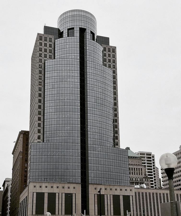 Cincinnati Photograph - Scripts Building by Ed Lumbert