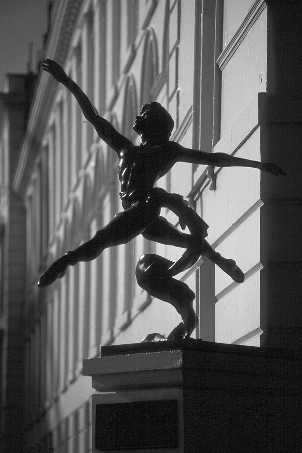 Statue Photograph - Sculpture London  by Douglas Pike
