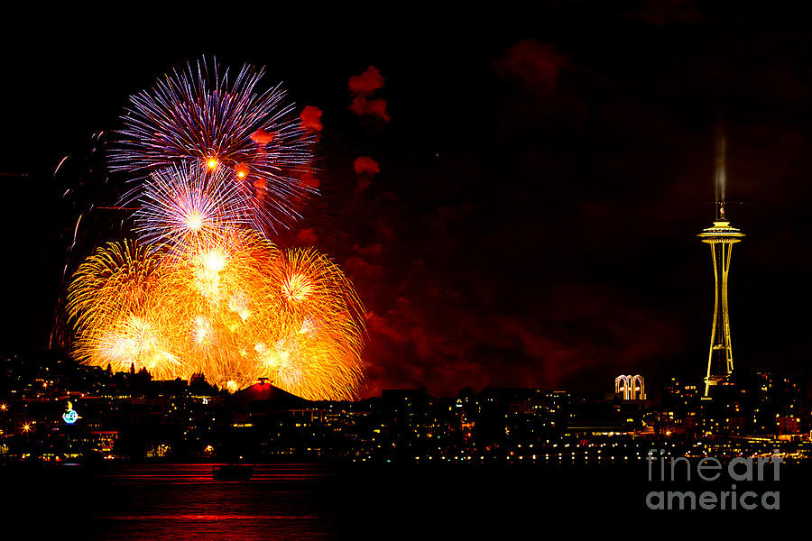 Seattle Photograph - Seattle Fireworks by Tress Chapin