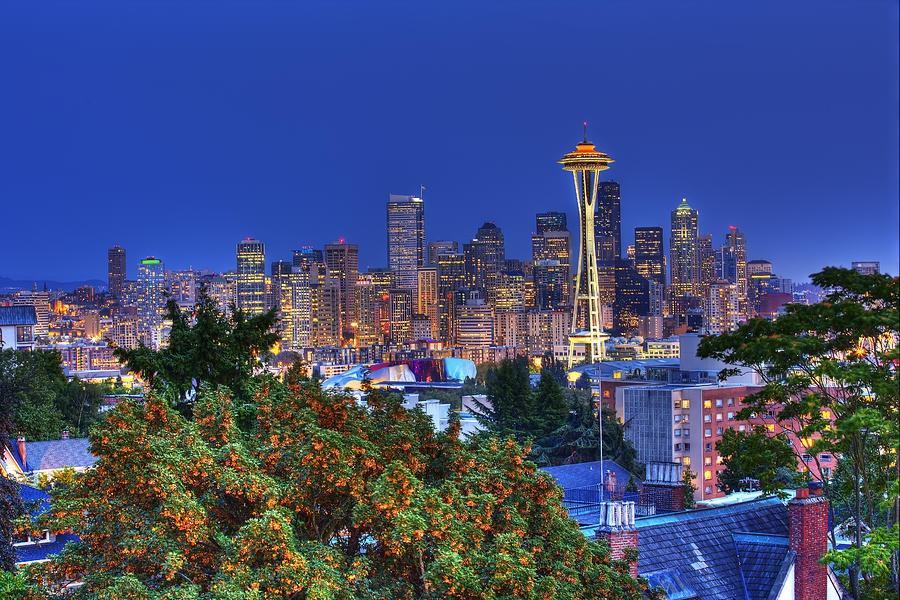 Seattle Skyline In The Fall Photograph By Shawn Everhart