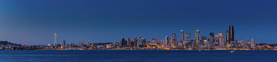 Seattle Photograph - Seattle Skyline In Twilight With Clear Sky by William Freebilly photography