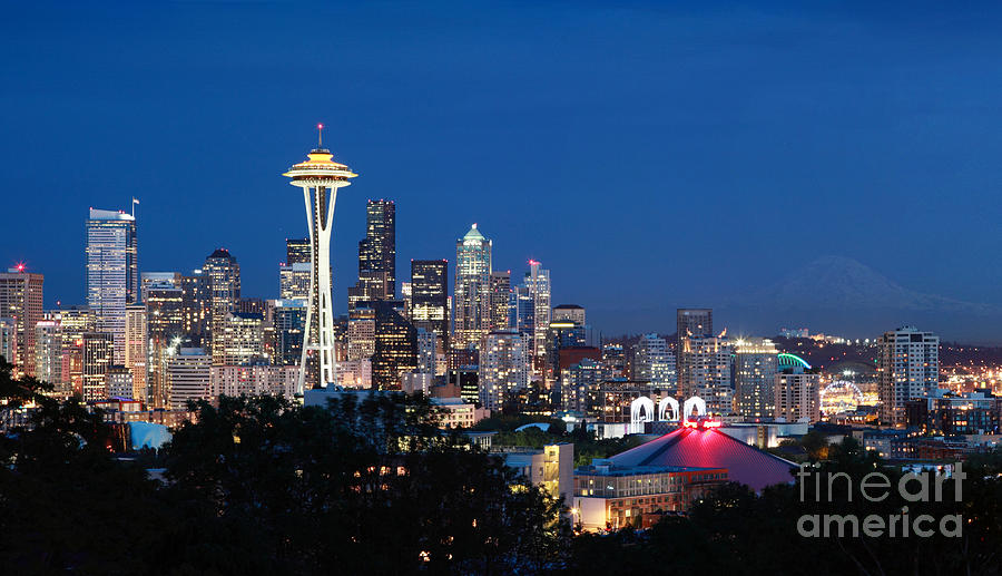 Seattle Photograph - Seattle Twight by Peter Simmons