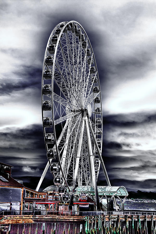 The Seattle Great Wheel Photograph - Seattles Great Wheel by David Patterson