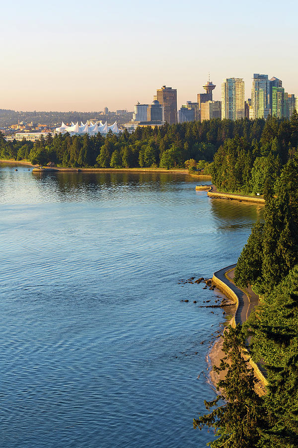 Vancouver Photograph - Seawall Along Stanley Park In Vancouver Bc by David Gn